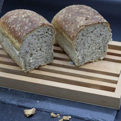 Demi pain bio au sésame de l'épicerie primeur nos champs occitans à montauban